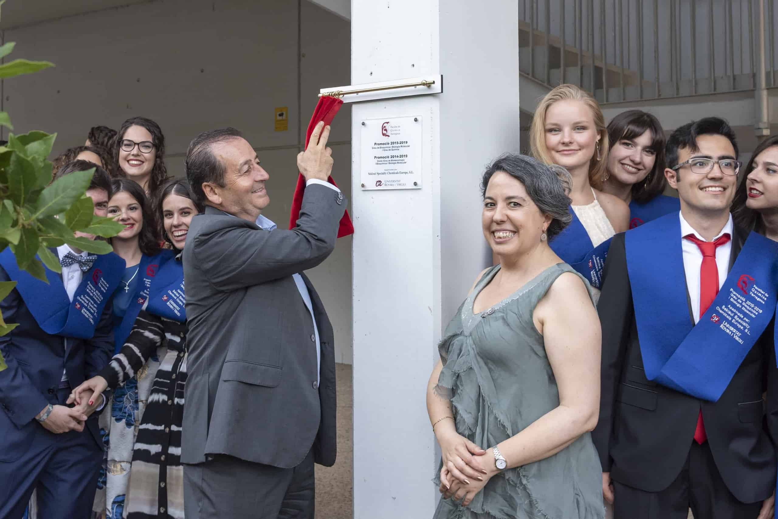 Alfredo Seco, Sekisui Specialty Chemicals Site Director Tarragona, unveils commemorative plaque at University Rovira I Virgili (URV)